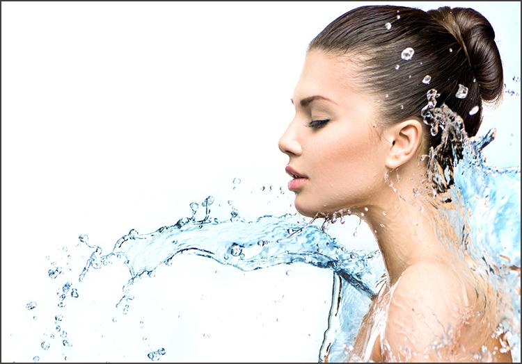 『スキンケアは化粧水だけ』が絶対NGな人の特徴とは?